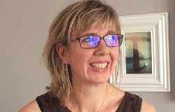 Julie Arnall - Art Classes Tutor