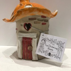 Picture of ceramic item at the courtyard arts gift shop