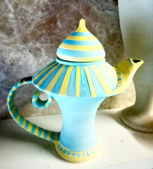 Ceramic pot created by tutor Nick Howard